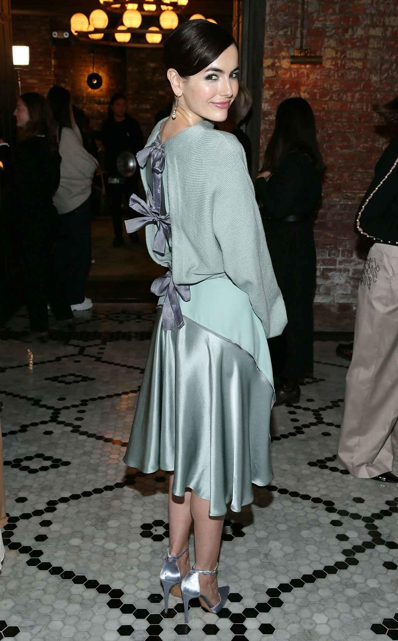 画像2: 人気女優のカミーラ・ベル