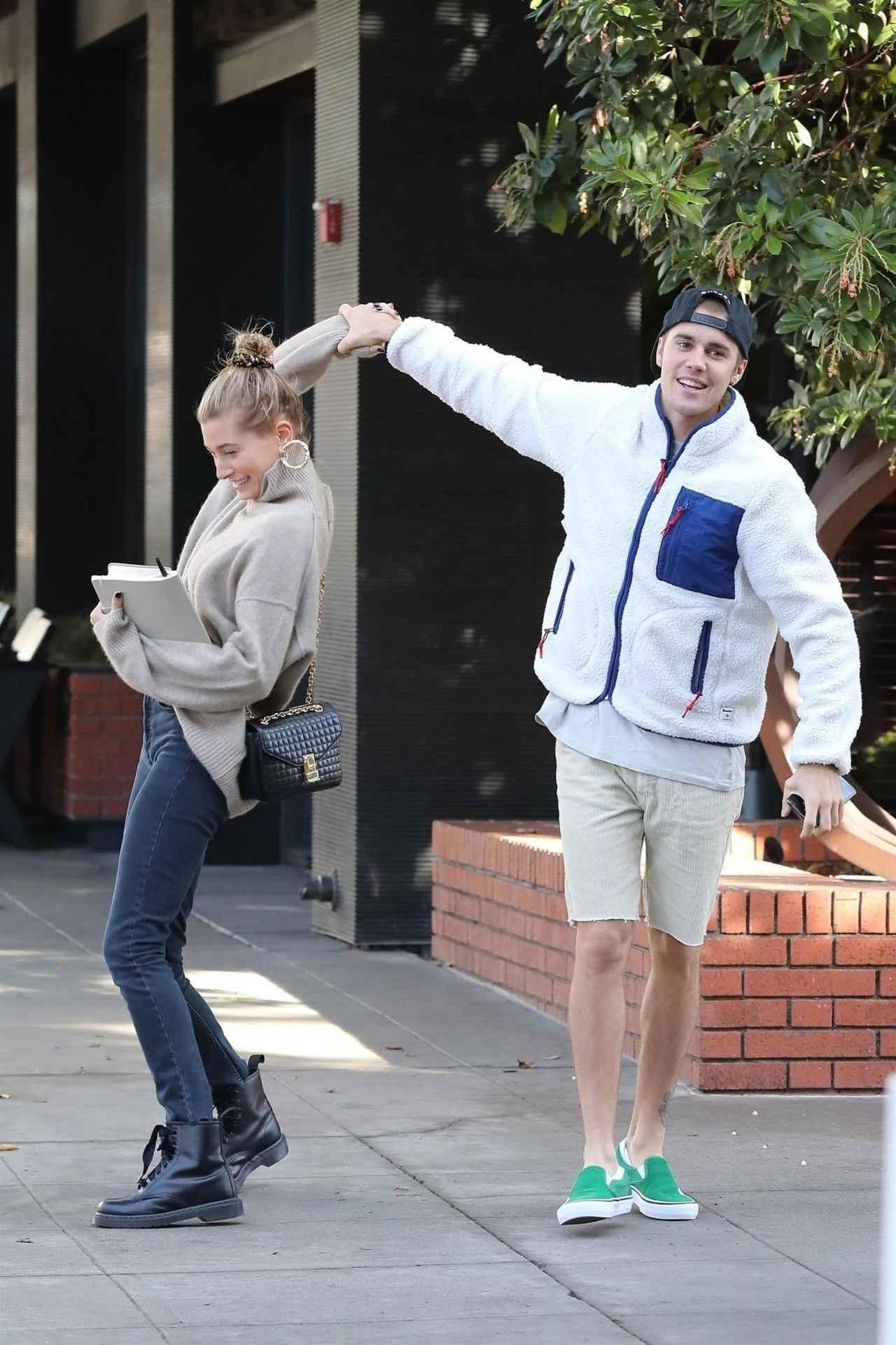 画像2: 幸せすぎて路上で踊りだす