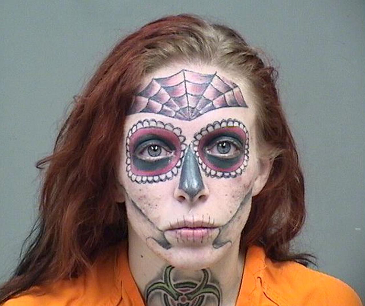 """画像: 万引きで捕まった女性の""""顔""""が派手すぎて「これはどう考えても捕まる」"""
