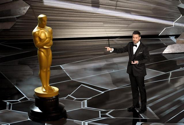 画像: 2018年のアカデミー賞授賞式でホストを務めたジミー・キンメル。