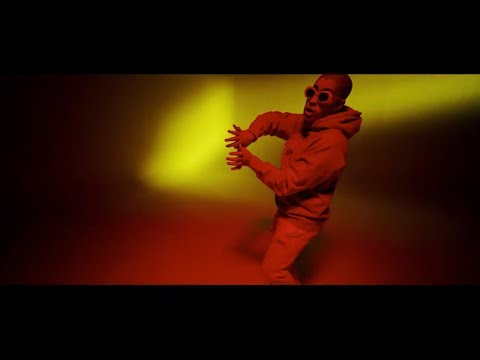 画像: Te Bote Remix - Casper, Nio García, Darell, Nicky Jam, Bad Bunny, Ozuna | Video Oficial www.youtube.com
