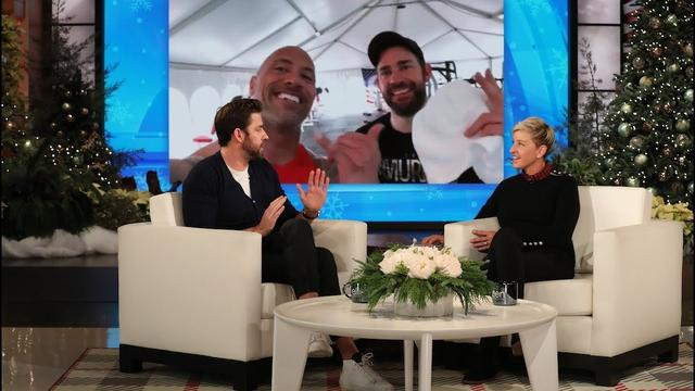 画像: John Krasinski Had No Idea How to Use the Equipment in The Rock's Private Gym www.youtube.com