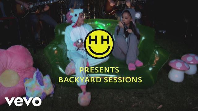画像: Happy Hippie Presents: Don't Dream It's Over (Performed by Miley Cyrus & Ariana Grande) www.youtube.com