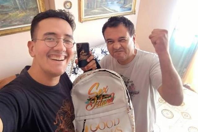 画像: ブライアン(左)とブライアンの父。