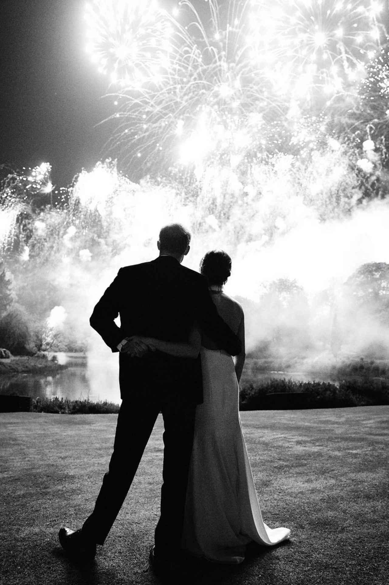 画像: 撮影はフォトグラファーのクリス・アラートン。ウェディング・レセプションの会場となったフロッグモア・ハウスは、来年からヘンリー王子&メーガン妃の住まいとなる。©Kensington Palace/ Twitter twitter.com