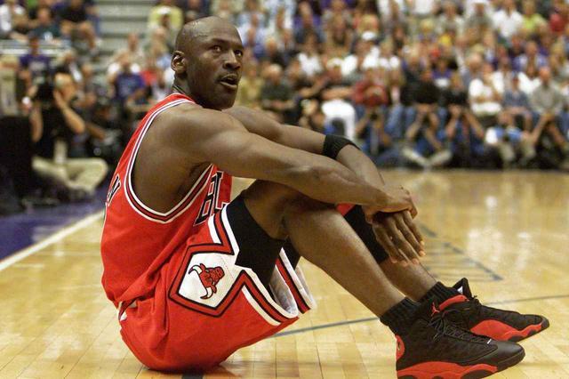 画像: 第4位 マイケル・ジョーダン(元NBA選手)、約1,900億円