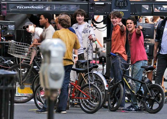 画像5: セレブたちが路上で撮影するってどんな感じ?セレブの撮影風景25選