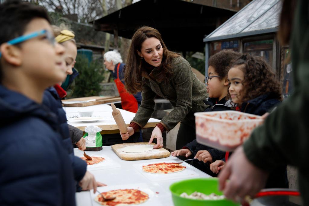 画像3: エリザベス女王はピザを食べたことがあるのか?キャサリン妃が素朴な疑問に回答