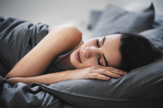 画像1: 2.毎日7から8時間、良質な睡眠をとる