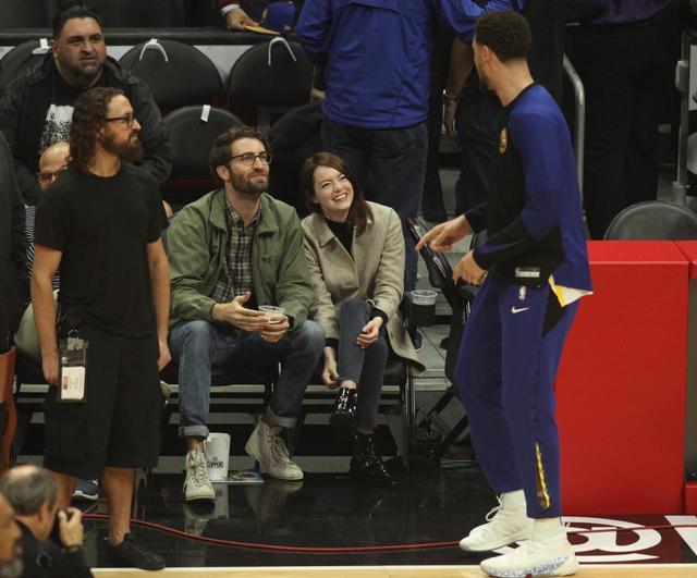 画像: クレイ選手と仲良く話す姿も目撃された。