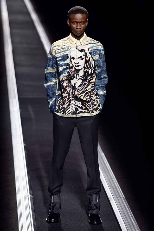 画像: ディオールの最新コレクションは「モデルが歩かない」斬新な発表方法