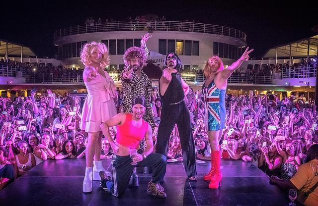 "画像1: Backstreet Boys on Instagram: ""Celebrating all of the girl power that's kept us going for 25 years. #SpiceBoys #BSBCruise2018 : @shaggs"" www.instagram.com"