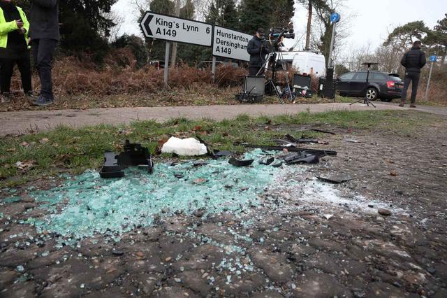 画像: 事故の残骸をオークション
