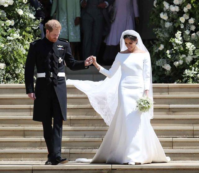 画像1: 辛口アナ・ウィンター、メーガン妃のウェディングドレスをどう評価した!?