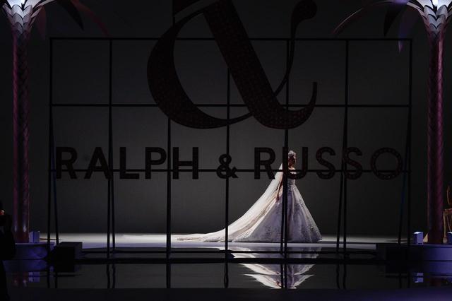 画像5: ラルフ&ルッソのショーに登場したエルザ・ホスクがリアルプリセス