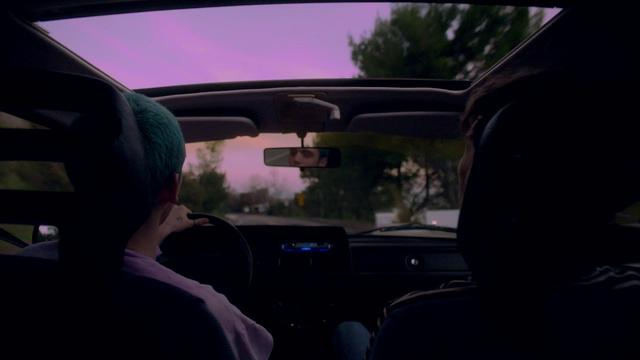 画像: Lauv & Troye Sivan – i'm so tired... [Official Audio] youtu.be