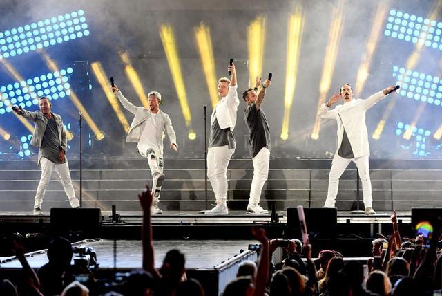 画像: チケット売上の最速記録を更新(当時)したラスベガスの常設公演「Backstreet Boys: Larger Than Life」を4月に終えると、5月からワールドツアーがスタートする。
