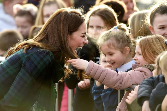 画像4: キャサリン妃と少女の2ショットに反響