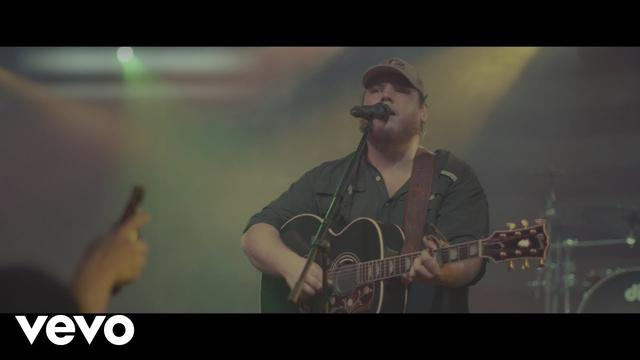 画像: Luke Combs - She Got the Best of Me www.youtube.com