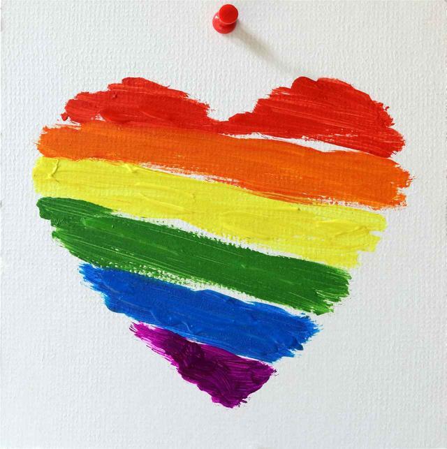 画像2: パリのディズニーランドが史上初の公式LGBT+イベントを開催!