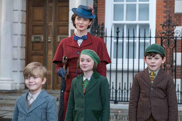 画像: 一番左で純真無垢な笑みを浮かべる少年がジョージー役のジョエル。 Photo:ニュースコム