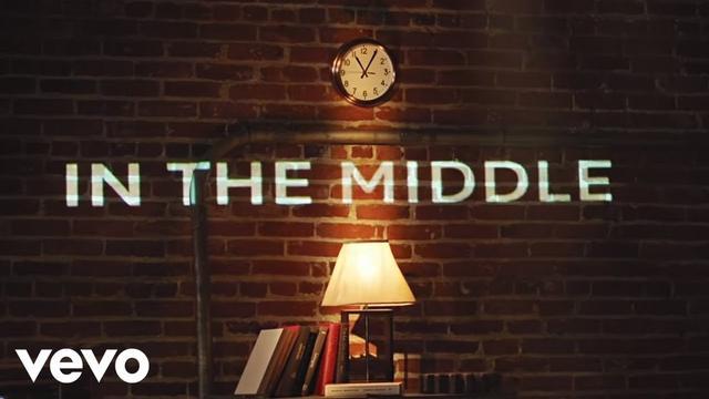 画像: Zedd, Maren Morris, Grey - The Middle (Official Lyric Video) www.youtube.com