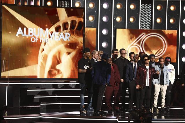 画像: 昨年のグラミー賞で最優秀アルバム賞を受賞したブルーノ・マーズ。