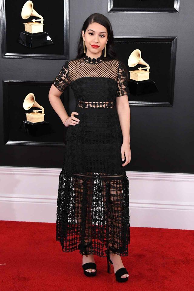 画像13: グラミー賞2019、レッドカーペットの華やかなドレススタイルをお届け