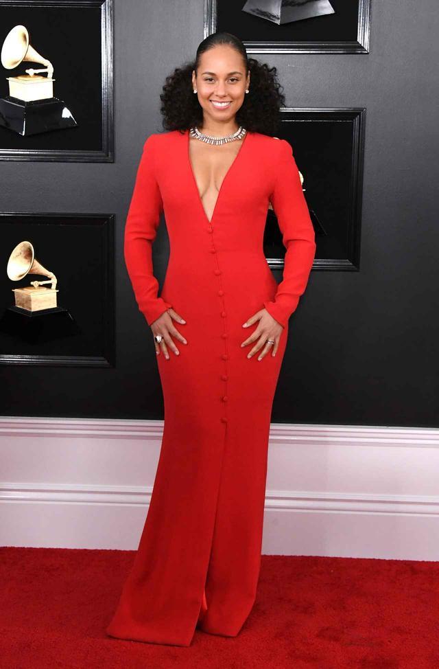 画像1: グラミー賞2019、レッドカーペットの華やかなドレススタイルをお届け