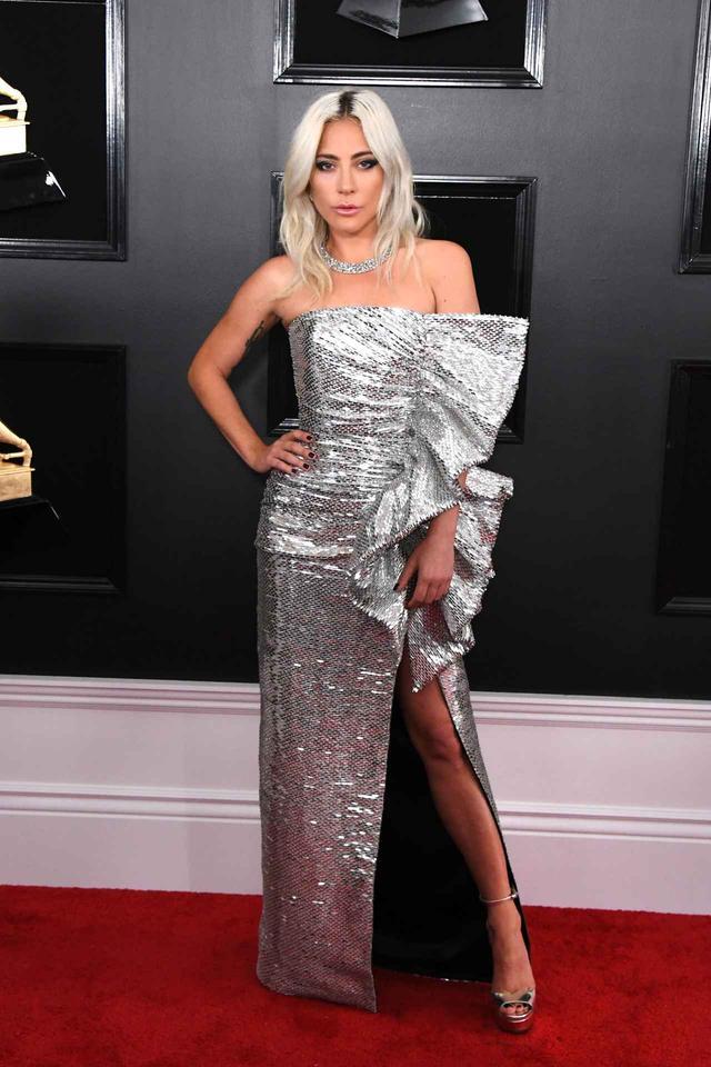 画像2: グラミー賞2019、レッドカーペットの華やかなドレススタイルをお届け