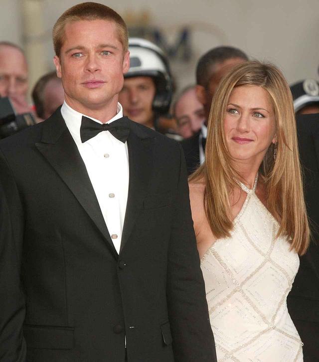 画像: 結婚していた当時のブラッドとジェニファー。