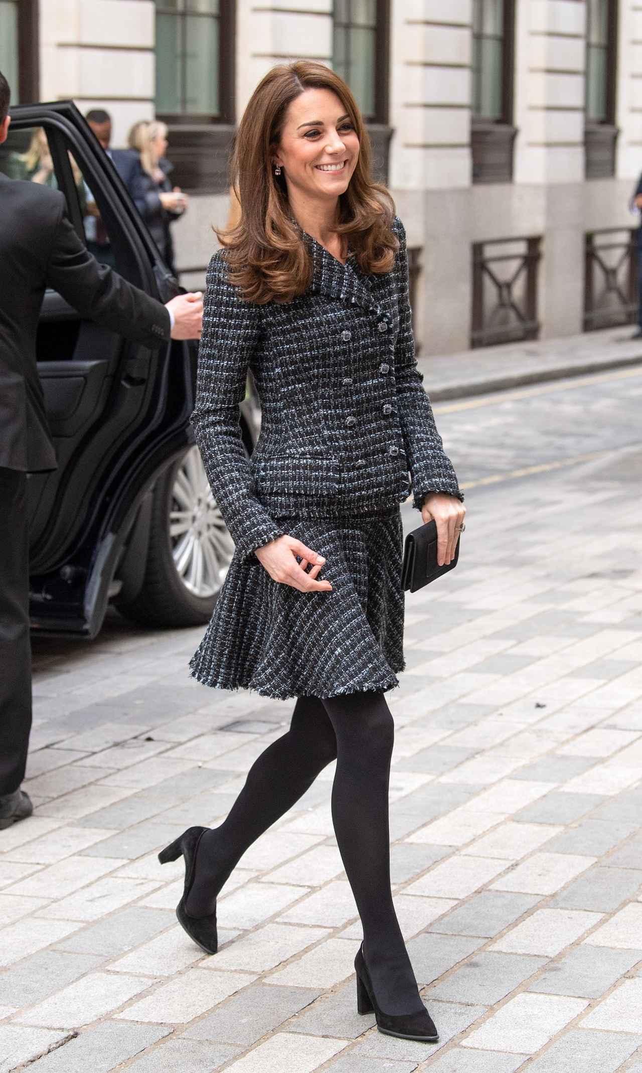 画像3: キャサリン妃、季節はずれの「さくら色ドレス姿」がまるでオーロラ姫
