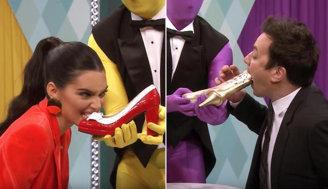 画像3: 超人気モデルが「靴」をガブッ!