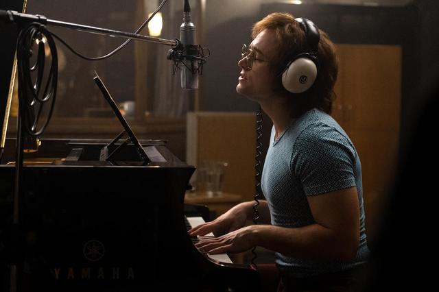 画像2: エルトンも認めるタロンの歌唱力
