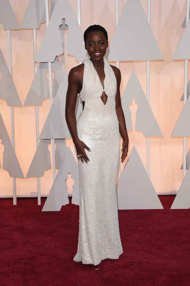 画像8: アカデミー賞授賞式で最もアイコニックだったドレス10選