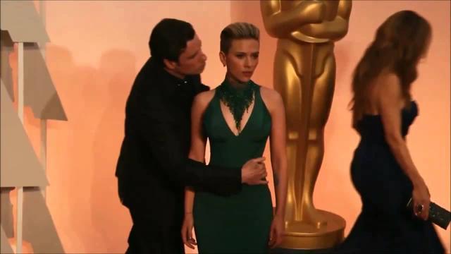 画像: Oscar 2015 Scarlett Johansson John travolta kissing youtu.be