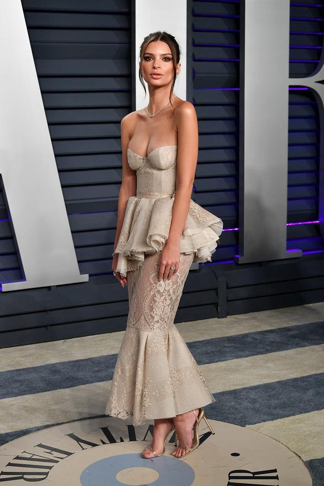 画像9: アカデミー賞、アフターパーティのドレスも豪華絢爛!あの人気セレブは何を着た?