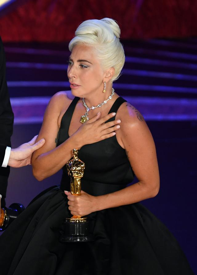 画像1: レディー・ガガ、アカデミー賞初受賞の「数秒後に放った言葉」とは
