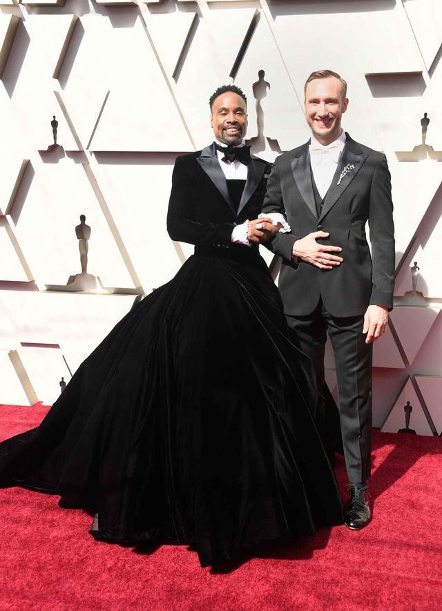 画像4: ビリー・ポーターがドレスを着用