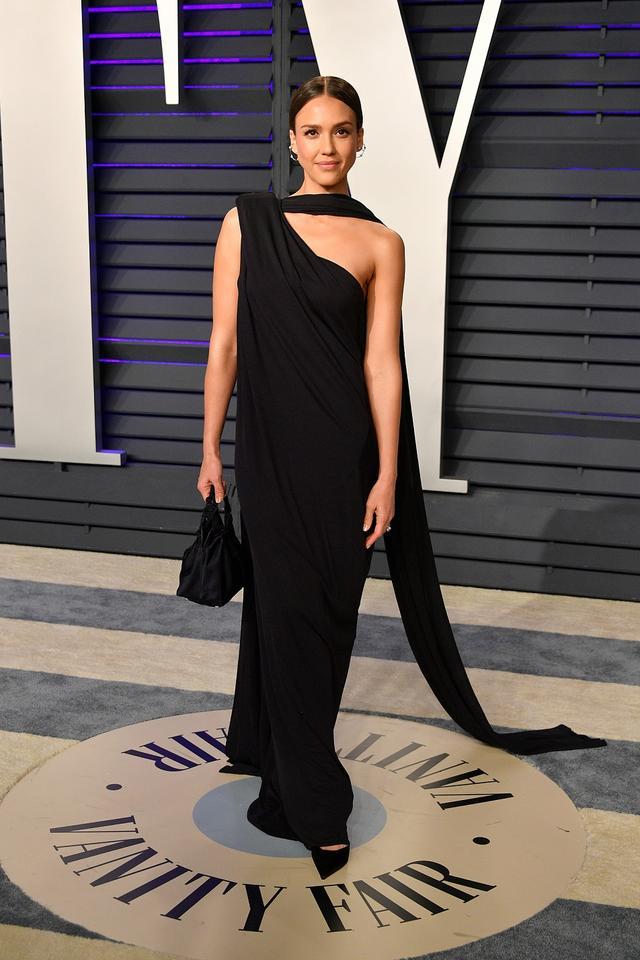 画像11: アカデミー賞、アフターパーティのドレスも豪華絢爛!あの人気セレブは何を着た?