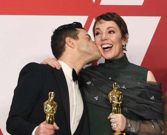 画像: 映画『ボヘミアン・ラプソディ』で主演男優賞を受賞したラミ・マレックと、映画『女王陛下のお気に入り』で主演女優賞を受賞したオリヴィア・コールマン。