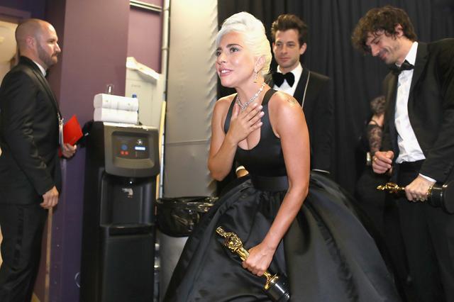画像4: レディー・ガガ、アカデミー賞初受賞の「数秒後に放った言葉」とは