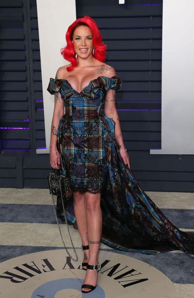 画像20: アカデミー賞、アフターパーティのドレスも豪華絢爛!あの人気セレブは何を着た?