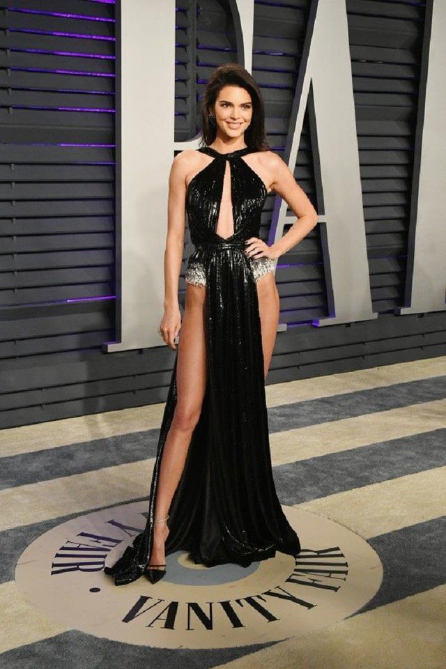 画像1: アカデミー賞、アフターパーティのドレスも豪華絢爛!あの人気セレブは何を着た?