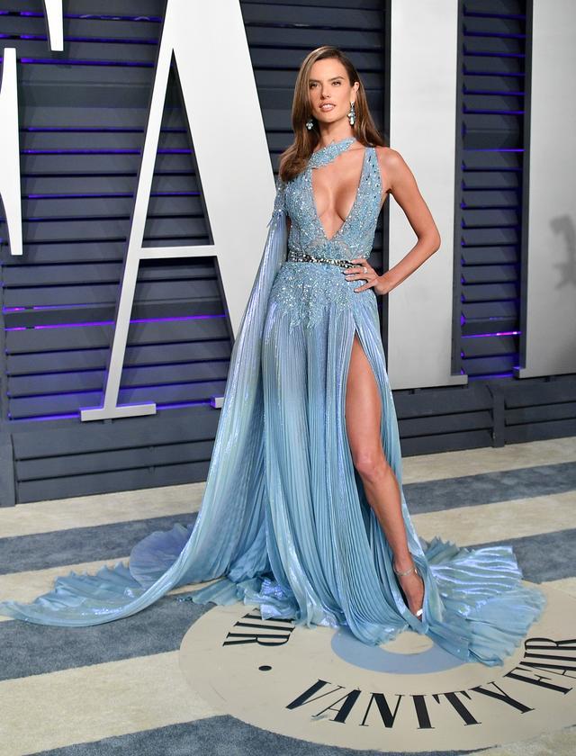 画像30: アカデミー賞、アフターパーティのドレスも豪華絢爛!あの人気セレブは何を着た?