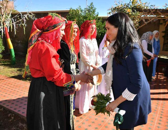 画像1: 妊娠7ヶ月のメーガン妃が、モロッコでタトゥーをゲット!?