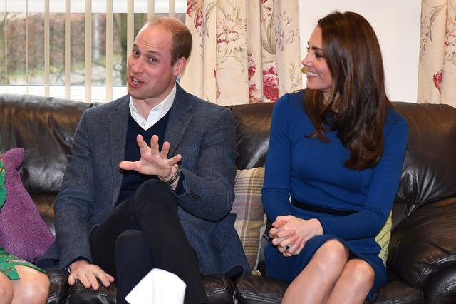 画像: まるで「ちょっと待ってー」と言っているかのようなウィリアム王子。