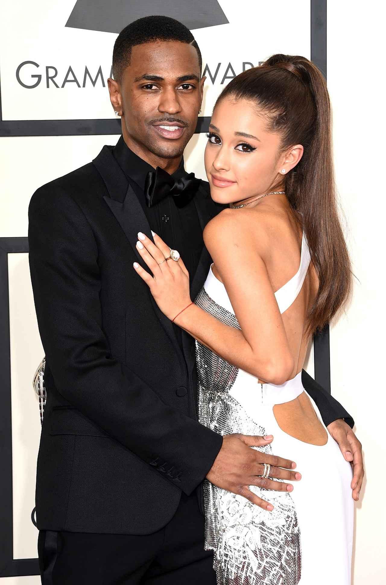 画像: 2015年のグラミー賞のレッドカーペットにそろって登場。