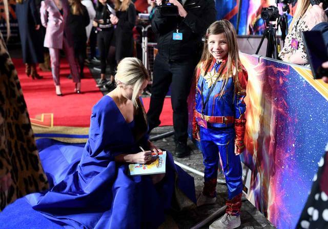 画像5: ブリーのリアル「ヒーロー」なドレス