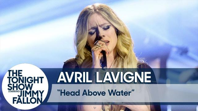 画像: Avril Lavigne: Head Above Water www.youtube.com